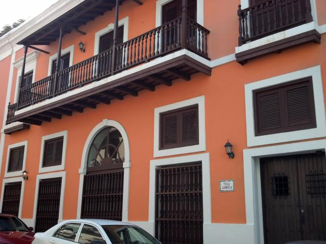 2014-05-16 Old San Juan 36 walking tour - Villa Gabriela