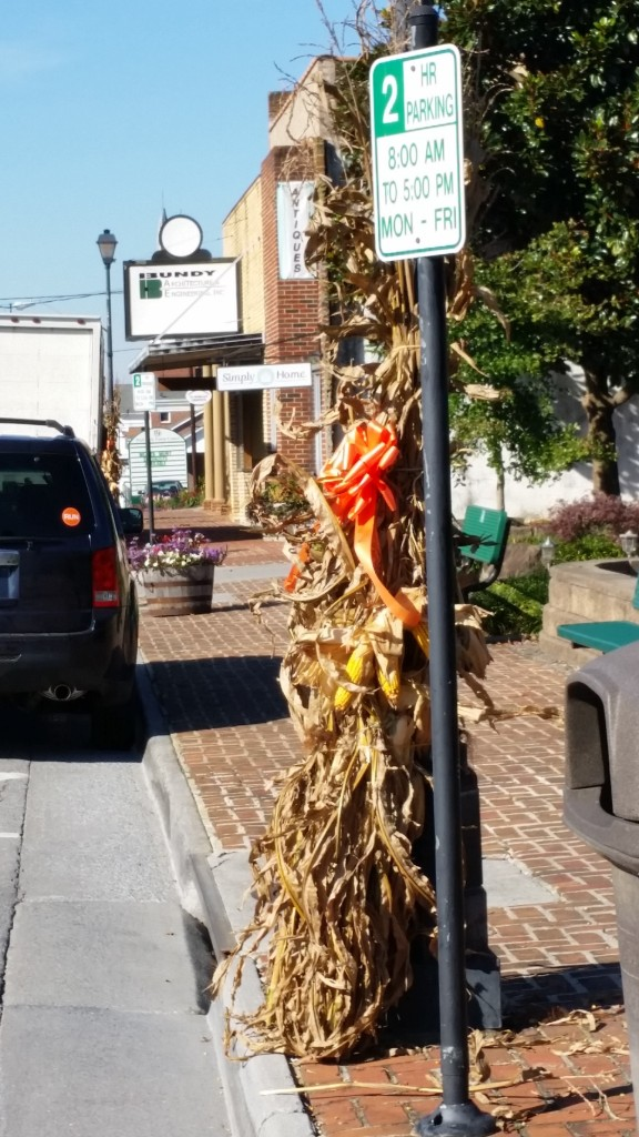 Festive fall decorations in historic Abingdon