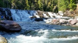 Dancing cascades water level